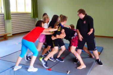 Kinderferienprogramm: Selbstverteidigungskurs